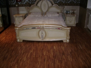 Спальня 20,5м2. Пол с электрическим подогревом, покрытие - ламельный паркет 8х23х160 мм, дуб, укладка разбежка, масло Synteco Solid