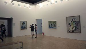 Индустриальный паркет в музее современного искусства имени Жоржа Помпиду в Париже
