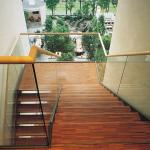 Лестницы из индустриального паркета